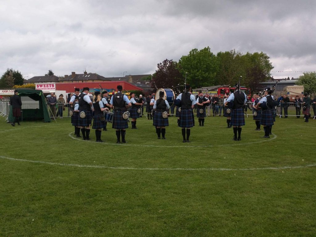 Tweedvale PB in the Circle at Bathgate - Grade 4 performance from a wider angle